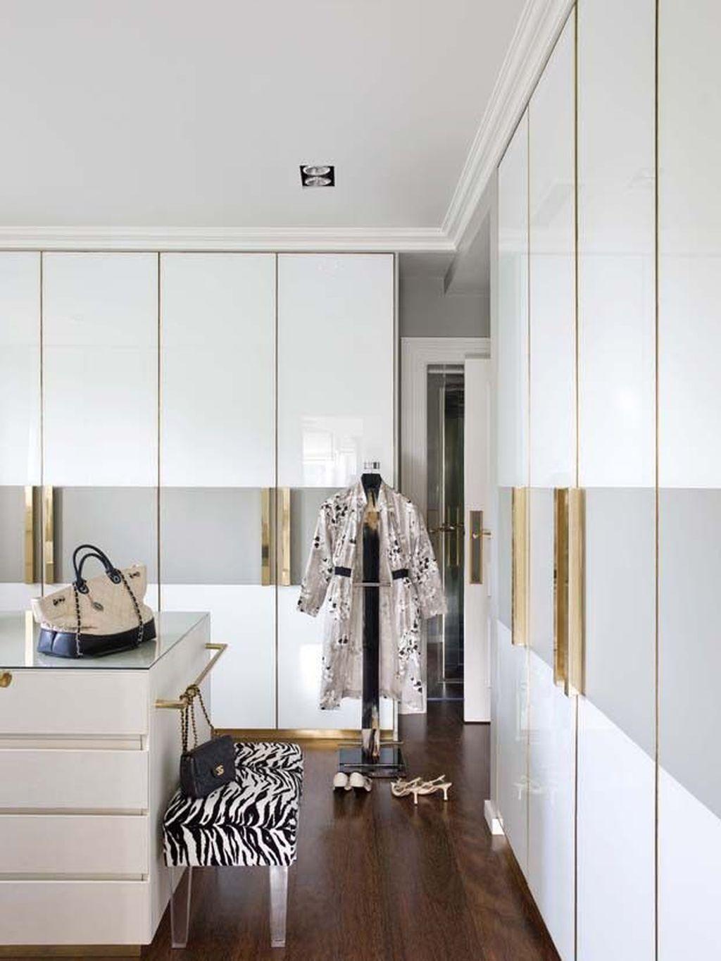 Rustic Wardrobe Design Ideas That Is In Trend 21