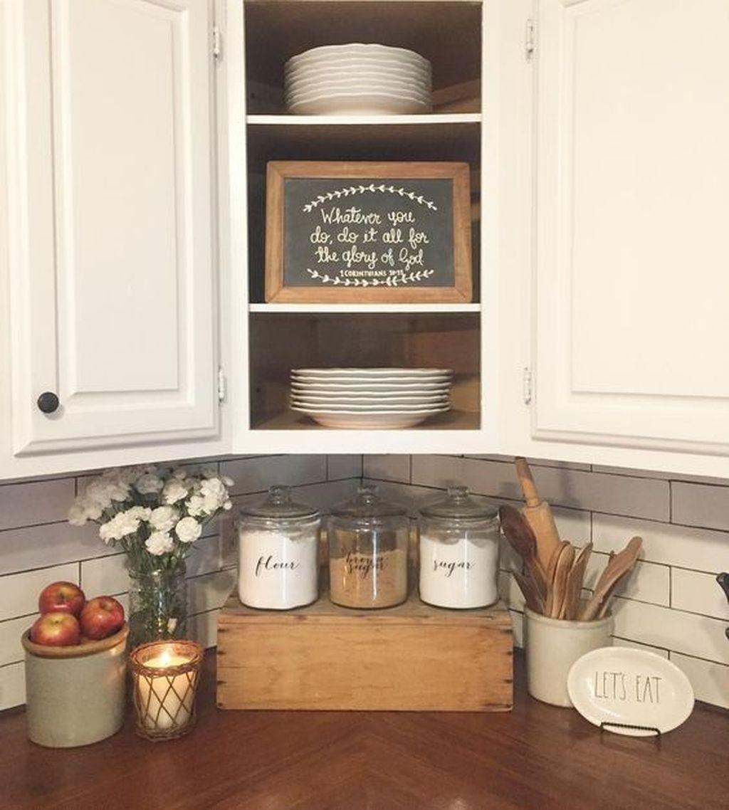 Amazing Organized Farmhouse Kitchen Decor Ideas 03