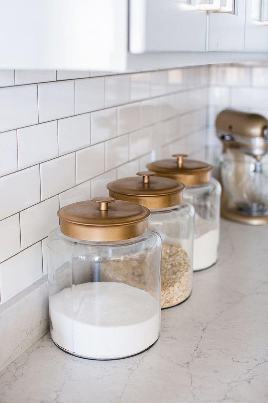 Amazing Organized Farmhouse Kitchen Decor Ideas 04