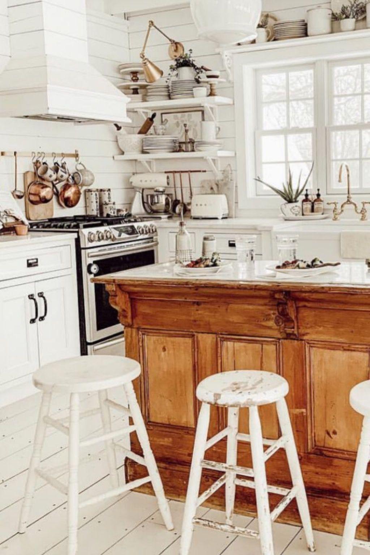 Amazing Organized Farmhouse Kitchen Decor Ideas 12