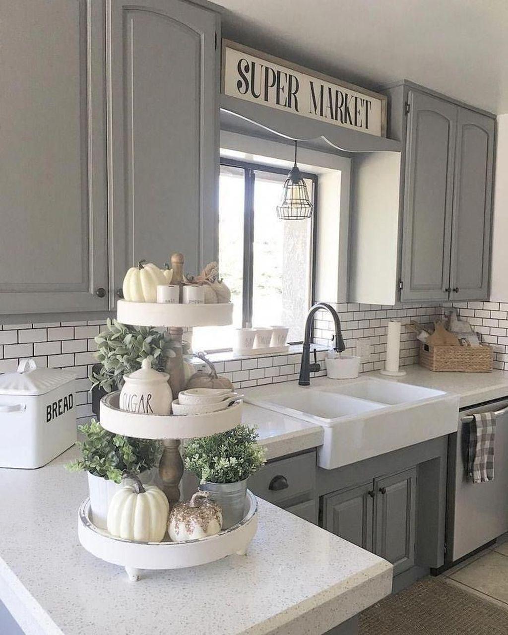 Amazing Organized Farmhouse Kitchen Decor Ideas 20