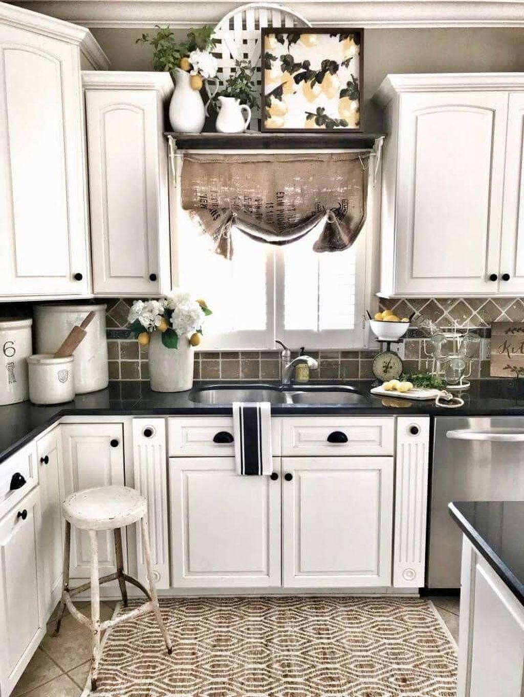 Amazing Organized Farmhouse Kitchen Decor Ideas 28
