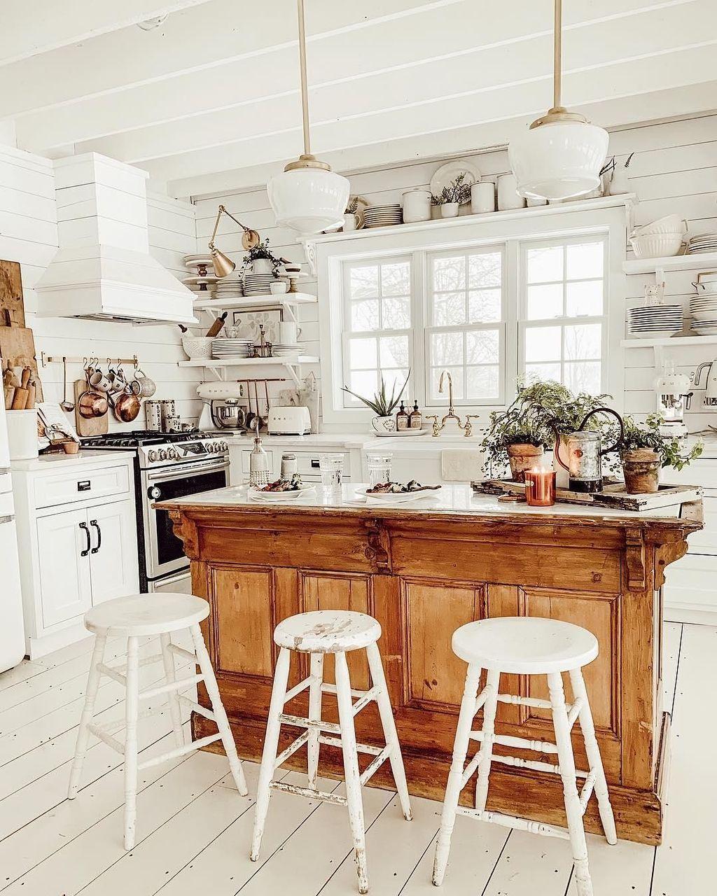 Amazing Organized Farmhouse Kitchen Decor Ideas 33