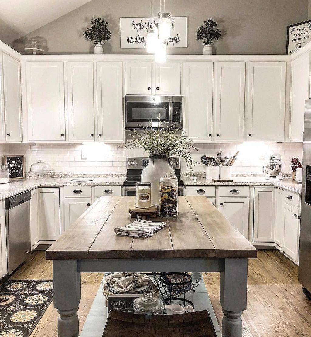 Amazing Organized Farmhouse Kitchen Decor Ideas 35
