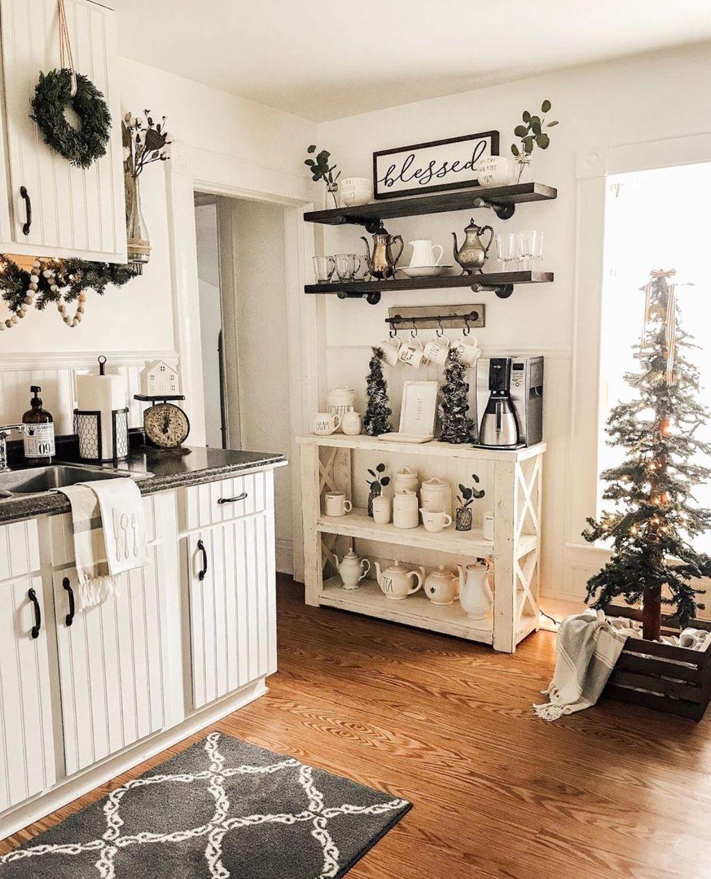 Amazing Organized Farmhouse Kitchen Decor Ideas 39