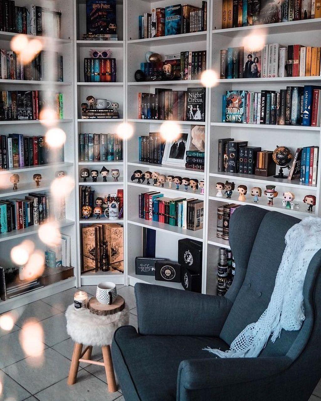Elegant Bookshelves Decor Ideas That Trending Today 40