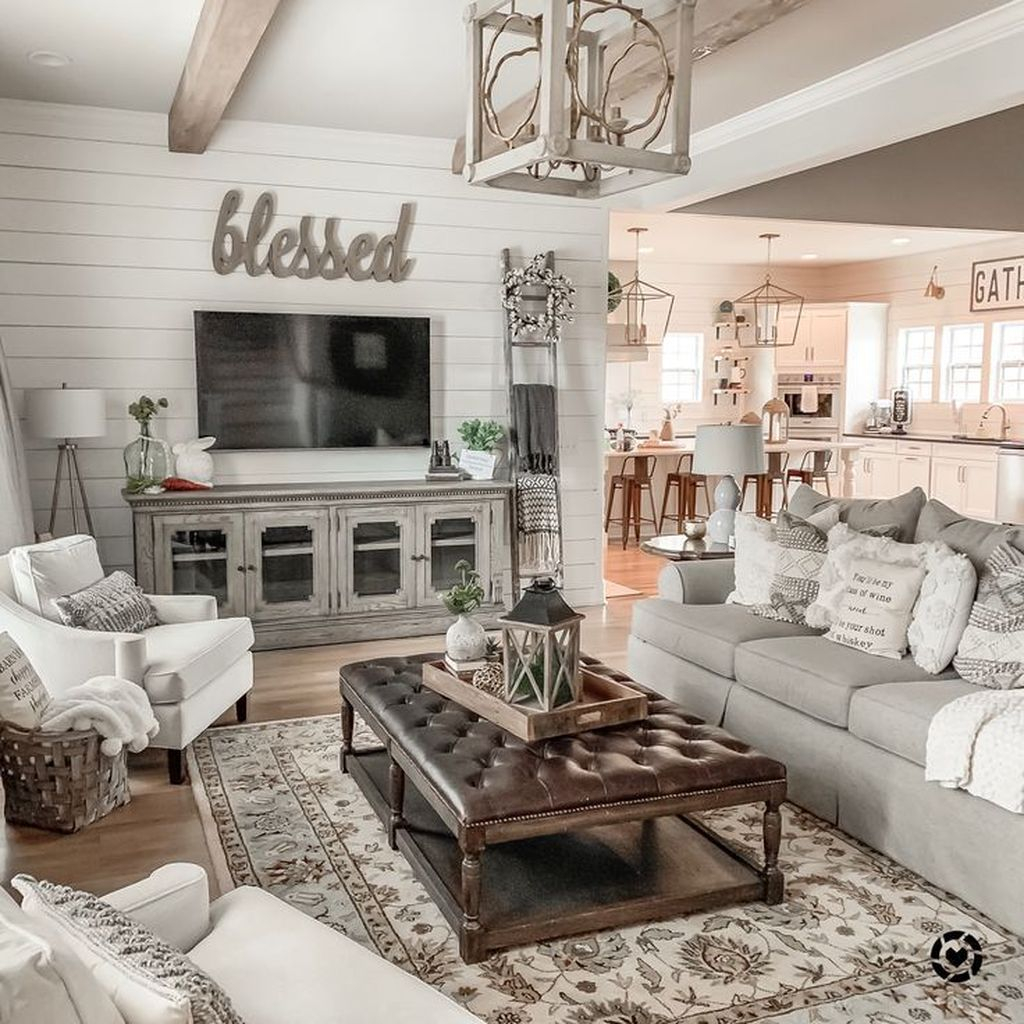 Splendid Farmhouse Living Room Decor Ideas 03
