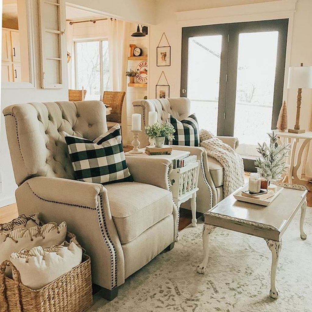 Splendid Farmhouse Living Room Decor Ideas 16